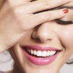 【女性必見】歯が黄ばむ原因と歯を白くする方法