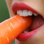歯と顎の使い過ぎ?歯牙接触癖と舌癖の関係性について